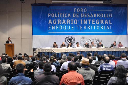 La asistencia al Foro Agrario fuer representativa. Al menos 1300 personas y medio millar de propuestas fueron recogidas. Foto Marcha Patriótica.