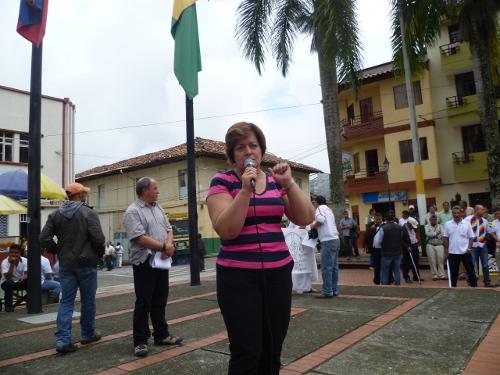 La senadora Gloria Inés Ramírez en el marco de la movilización social en defensa de la salud pública el pasado 14 de febrero en Riosucio (Caldas). Foto Camilo Raigozo.