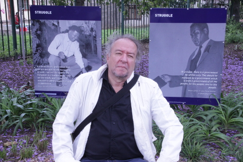 Poeta Fernando Rendón, director del Festival Internacional de Poesía de Medellín y Premio Nobel Alternativo