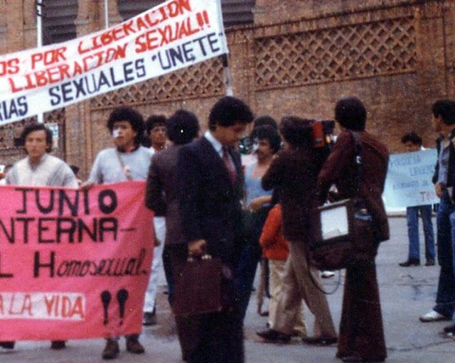 Entrevista a Velandia para la TV, en la Primera Marcha del Orgullo Homosexual en Colombia (1982)
