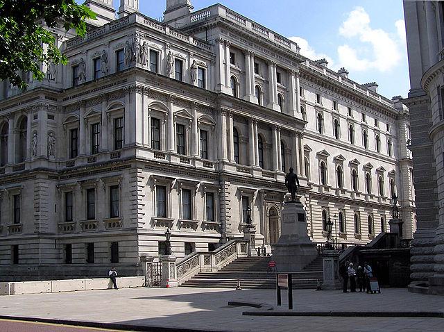 Ministerio de Relaciones Exteriores y de la Mancomunidad de Naciones, Whitehall, vista desde el St. James's Park.