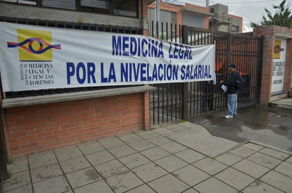 Así permanecieron varias sedes de Medicina Legal en todo el país.
