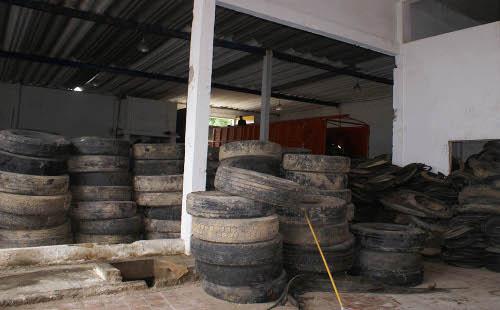 Con el material de las llantas se pueden hacer otros elementos. Foto Secretaría de Medioambiente.