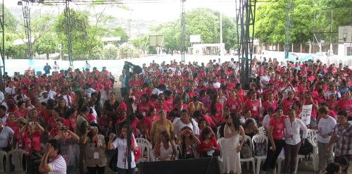 Más de dos mil mujeres participaron en el Encuentro por la Dignidad y la Paz. Una reafirmación de las mujeres de la lucha por sus derechos y por la democracia en Colombia. Foto C.L.