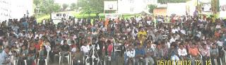 Más de un millar de jóvenes discutieron con entusiasmo para respaldar la paz con justicia social. Foto C.L.