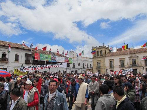 Concentración de campesinos, estudiantes, profesores y trabajadores en la Plaza de Bolívar de Tunja, el pasado 24 de agosto. Foto Winston Porras.