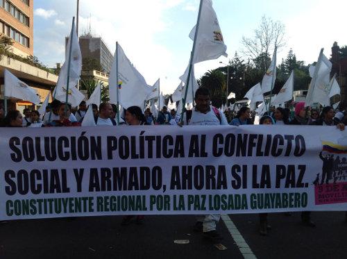"""Marcha 9 de abril de 2013 """"Somos más ahora sí la paz""""."""
