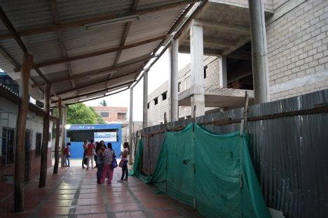 Estado de la obra en la institución educativa Chon-kay. Foto J.C.H.