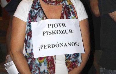Cartel portado por una manifestante, el pasado miércoles en Sevilla.