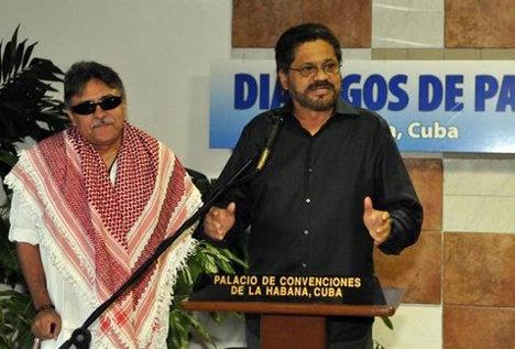 jefe-negociadores-FARC-Marquez-Santrich_MILIMA20131203_0402_11