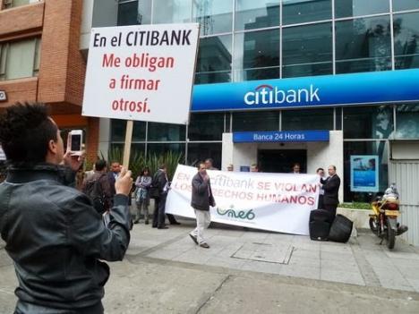 Protesta de empleados de esa entidad bancaria.