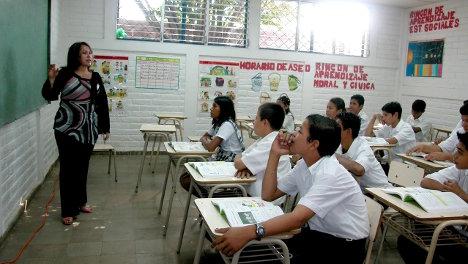 El incentivo a profesores ayuda a mejorar la calidad de educación de los alumnos. Foto El sheck.