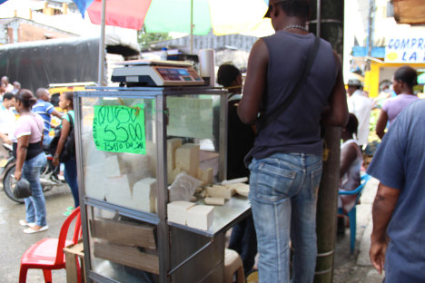 Los jóvenes enfrentan el desempleo y la informalidad.