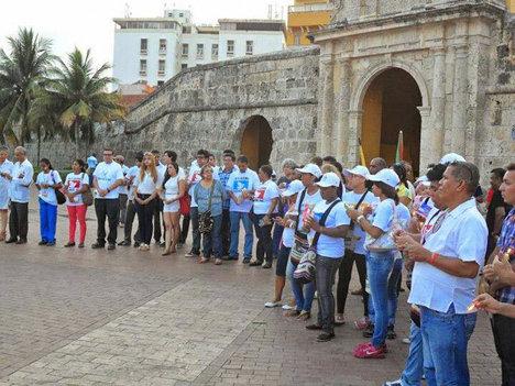 La paz en Colombia es inaplazable, dijeron los cartageneros en el plantón.