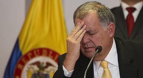 El procurador Alejandro Ordóñez en la cuerda floja, aunque maniobra para quedarse.