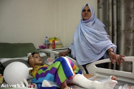 Niño herido en Gaza, Hospital An-Nayah, Nablus, Cisjordania, 05.08.2014. Foto: Ahmad Al Bazz