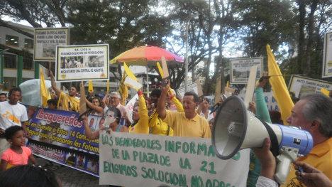 Los ibagureños denuncian la corrupción de la administración local.