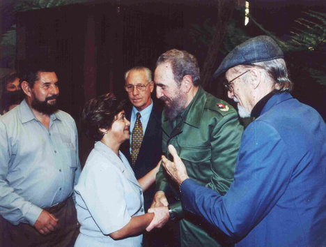 José Luis Díaz-Granados y su compañera Gladys, con Fidel
