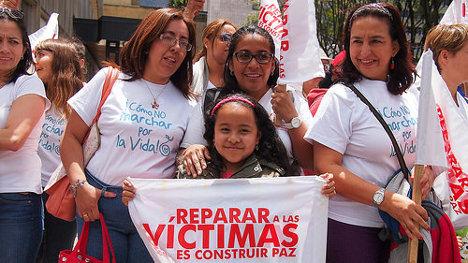 Foto: Reparar a las víctimas es construir la paz... ##VidaMarzo8 #BrigadaDigital via photopin (license)