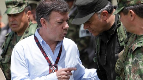 1282156072_Juan-Manuel-Santos
