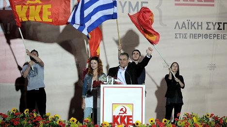 Comunistas griegos llamando a nuevas movilizaciones sociales