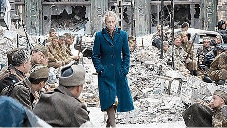 history-in-pictures-ww2-second-world-war-rare-images-pictures-photos-incredible-rape-german-women-001