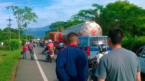 Comunidades protestan en la vía Villavicencio - Puerto López. Foto USO.