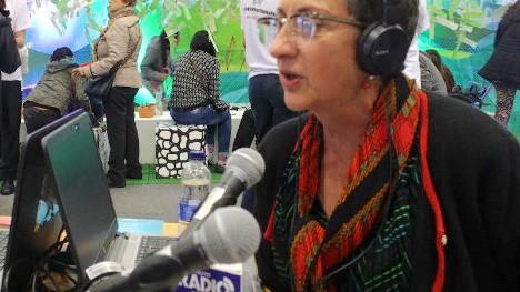 Constanza Vieira, periodista, editora y coautora del libro Mujeres: Paz, Política y Poder. Foto: Jorge Mario Pérez