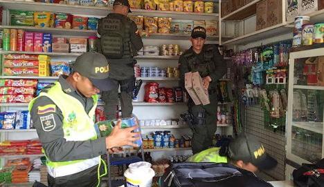 Incautan productos venezolanos en supermercados en Cúcuta. Foto La Opinión.