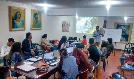 Taller de redacción en el seminario nacional de Agipro y corresponsales juveniles.