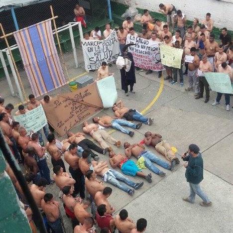 Presos en desobediencia civil en La Picota.