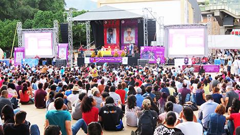 El Movimiento Poético Mundial se pronunció por la paz en el planeta. El Festival de Poesía de Medellín es promotor de esta iniciativa. Foto archivo