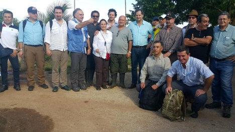 Reunión entre Gobierno Nacional y FARC-EP en el Yarí. Foto Delegación de Paz FARC.