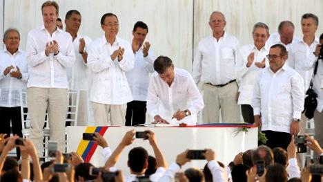 colombia-paz-farc-acuerdo-firma-santos-1920