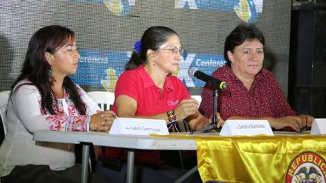 De izquierda a derecha Isabel Sanroque, Sandra Ramírez y Olga Marín, guerrilleras de las FARC. Foto VOZ