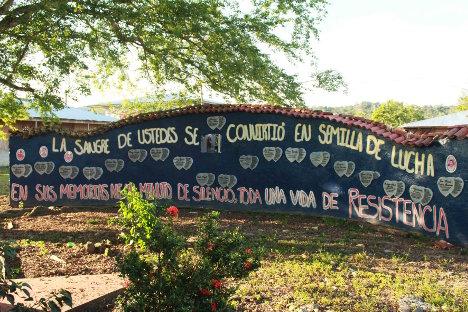 Homenaje a las víctimas de la vereda Cooperativa. Foto Bibiana Ramírez - APR.