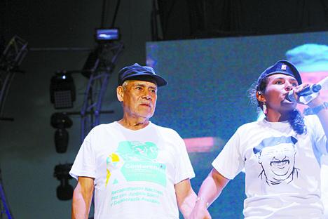 Miguel Pascuas en la X Conferencia de las FARC.