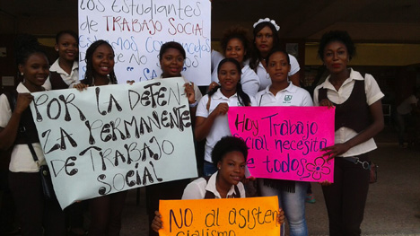 Movilización de estudiantes de trabajo social.
