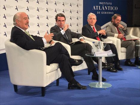 Andrés Pastrana, José María Aznar y Álvaro Uribe Vélez.